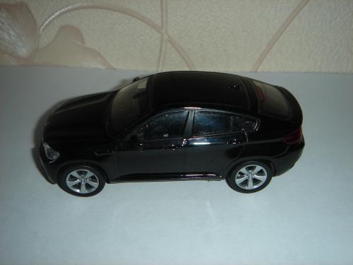 Продам машинку металлическую BMW Х6 . 1:43 ДеАгостини.