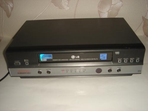 Продам видеомагнитофон LG L-214. Рабочий.