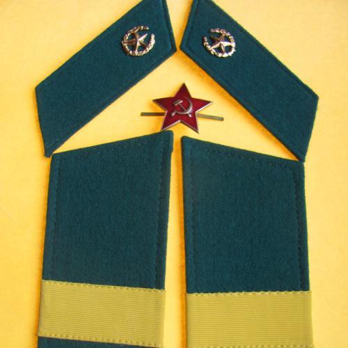 Погоны и петлицы на шинель старшого сержанта ПВ КГБ СССР