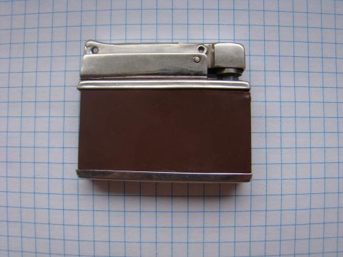 Зажигалка бензиновая из СССР (клеймо завода-изготовителя).