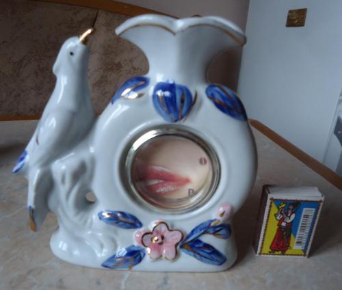 Фигура птичка на вазе с рамочкой для фото
