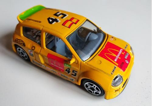 Renault Clio Trophy 1:43  Bburago