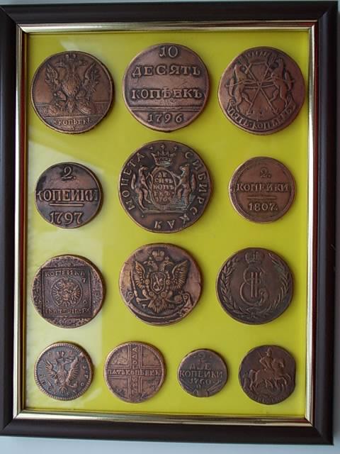 подборка старых монет россии.. для интерьера...наклеены на стекло