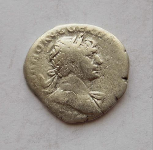 Денарій Траян, персоніфікація Рима (ROMA). Срібло.