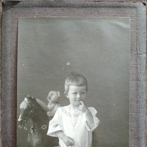 Фото кабинетное 1914 год Девочка Дети Игрушки Лошадка Мода Одежда Винтаж