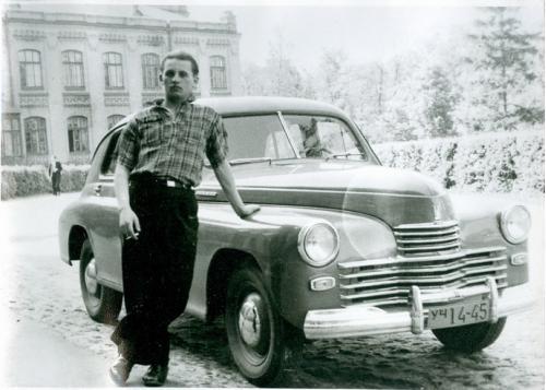 Киев КПИ Автомобиль Победа 1950-е  годы СССР