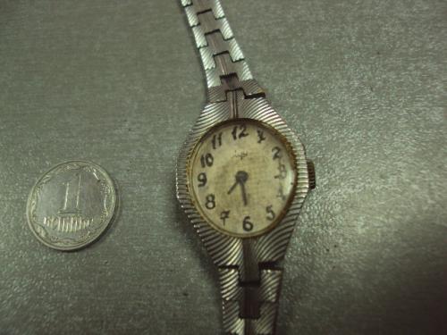 часы наручные женские луч ссср №369