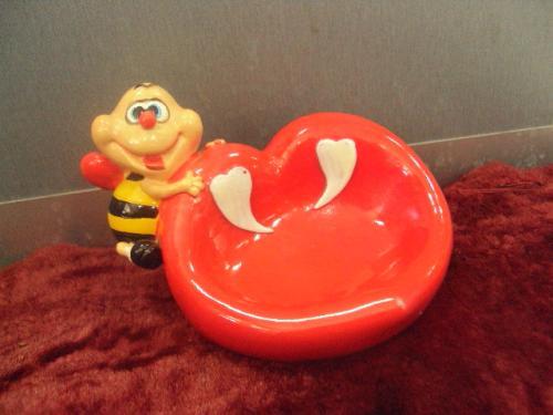 настольная подставка для украшений пчела сердечко  №11597