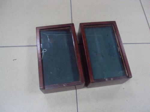 выставочный планшет со стеклом для знаков на несколько отсеков 19х11,5 см, высота 7см лот 2 шт №2960