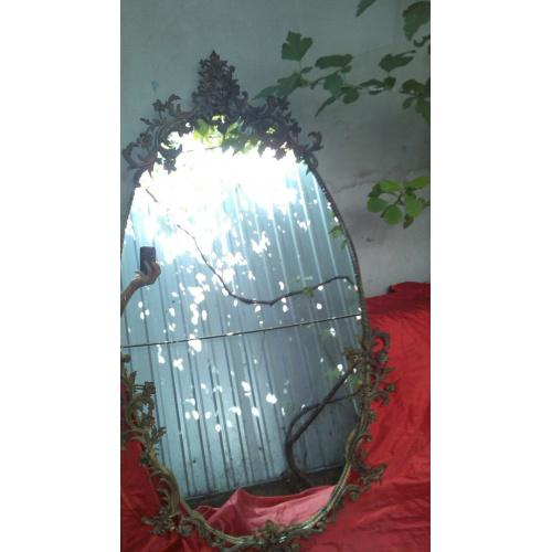 Зеркало старинное в бронзовой раме
