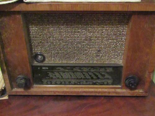 Радиола AEG Super 431 W ламповая