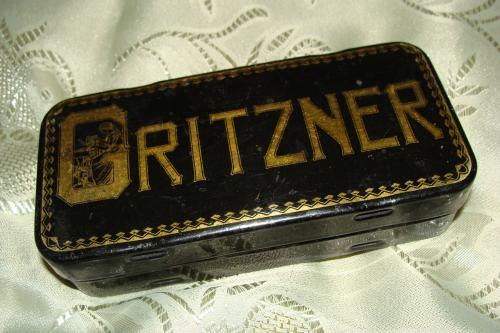 Запчасти в коробке к раритетной швейной машинке Gritzner, начало прошлого века