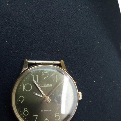"""Часы наручные  """"Слава""""  21 камень новые позолота в футляре с документами гарантийный талон)"""