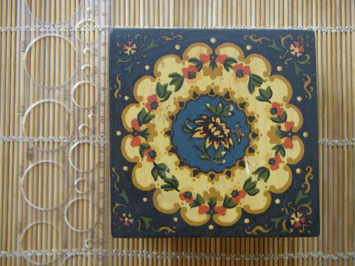 Сувенирная росписная шкатулка «Гармония», с характеристиками износа, Артикул С-ЧВ-1026а, 1986 г.