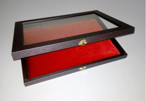 Витрина для орденов, медалей,значков и других предметов коллекционирования.