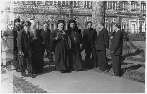 ФОТО. 1958 г. Митрополиты, Священники, Троице-Сергиева Лавра, МДА митрополит Тиатирский Афинагор