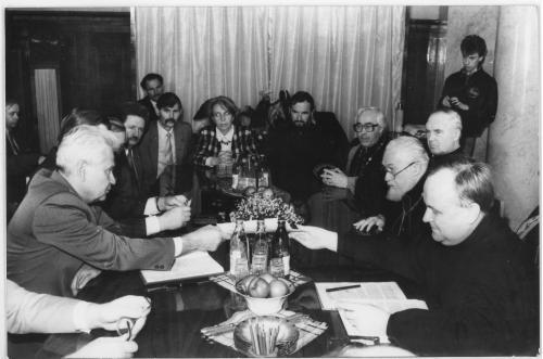ФОТО. 1991 г. Глава УГКЦ кардинал Мирослав (Любачевский ) и Премьер-министр Украины Витольд Фокин