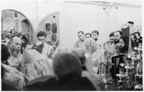 ФОТО.  Патриархи Алексий I  и Пимен, Богослужение, Троице-Сергиева Лавра, МДА 50-е XX в.