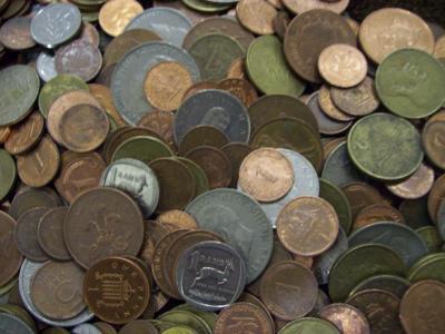 Лот монет мира 825 штук. без СССР