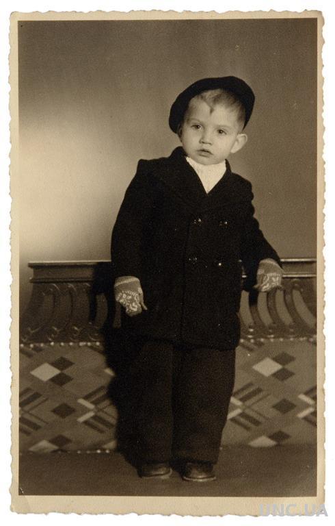 Старое студийное фото Мальчик, 1943-й год Германия