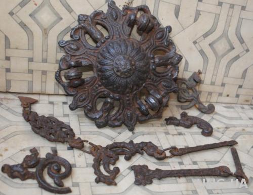 Антикварний чугунний підвіс для люстри + фрагменти