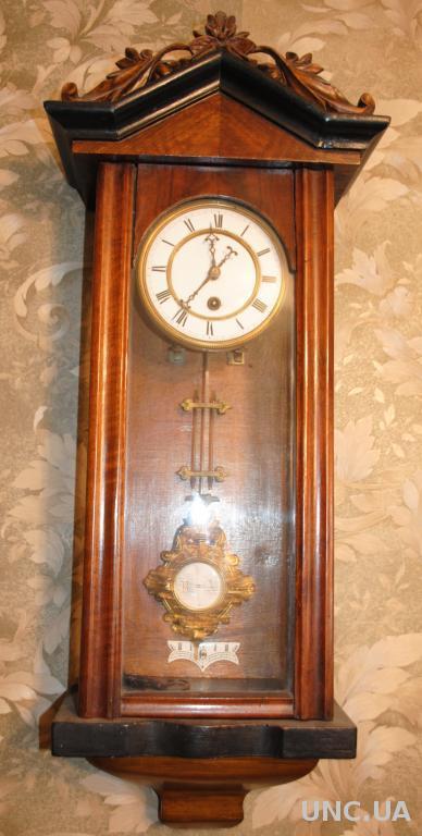 Годинник антикварний красавчик абсолютно робочий, відмінні емаль і позолота. Часы настенные.