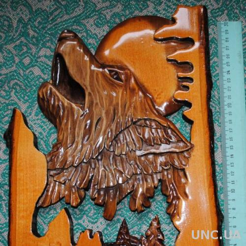 Ручна різбьа по дереву вовк- декор кафе, баня, дача. Подарок охотнику- волк, резная картина.