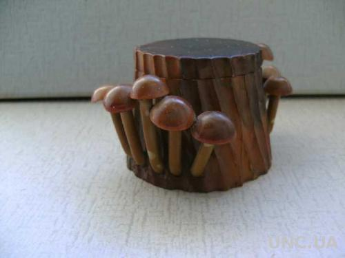 шкатулка пенек с опятами дерево