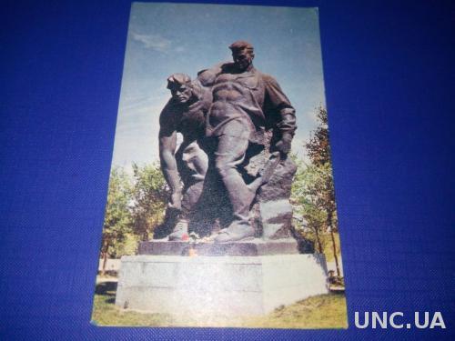 Памятник ГЕРОЯМ СТАЛИНГРАДСКОЙ БИТВЫ №13