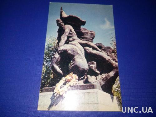 Памятник ГЕРОЯМ СТАЛИНГРАДСКОЙ БИТВЫ №8