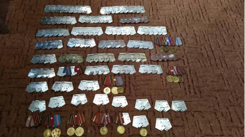 Колодки любые. 1 - 9 медалей. Есть латунные, двухслойные. Любые ленты и промзвенья.