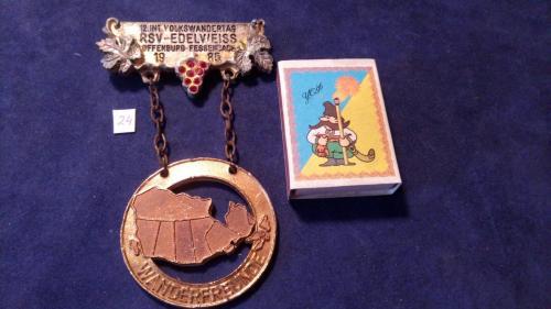 """Огромная немецкая медаль на подвесе """"Народный фестиваль туристов. Замки Германии"""". Вес 370 грамм!!!"""