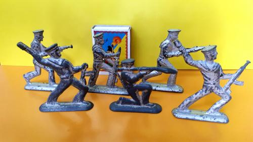 Фигурки игрушки СССР! Матросы на учениях! Металл! Редкость!
