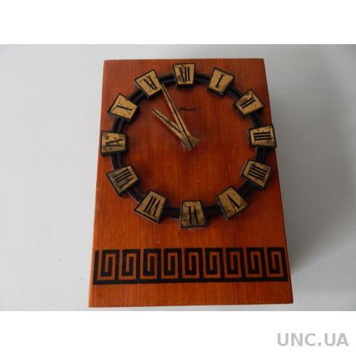 Часы настенные МАЯК кварц 5195
