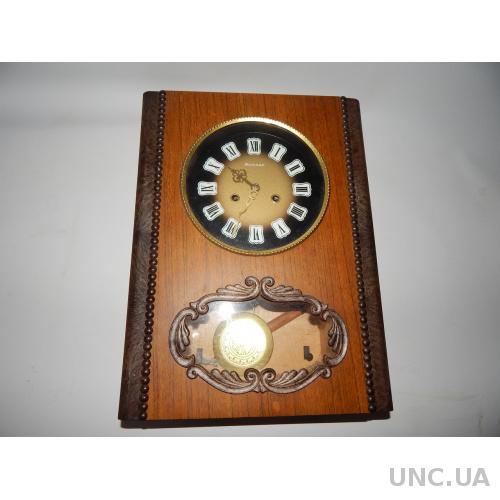 Часы настенные ссср с боем Янтарь 8391