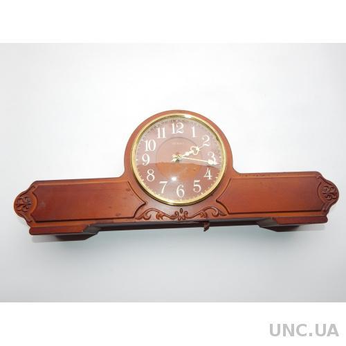 Часы настольные  ВЕСНА 2135