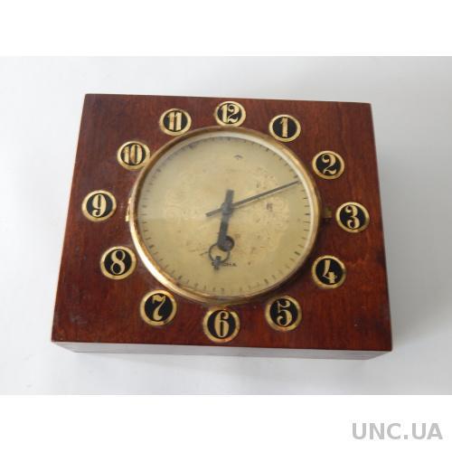 Часы настольные ВЕСНА 5114