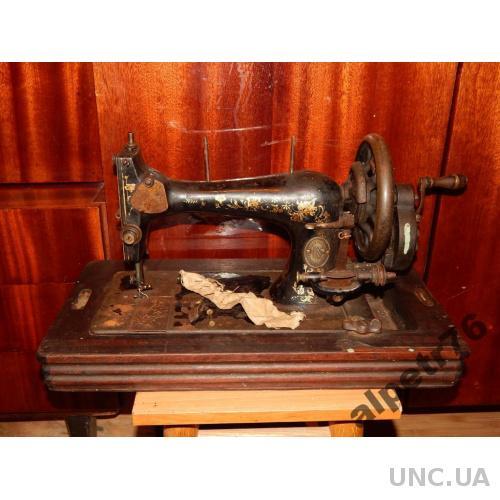 Машинка старинная швейная SAALFELD SAALE