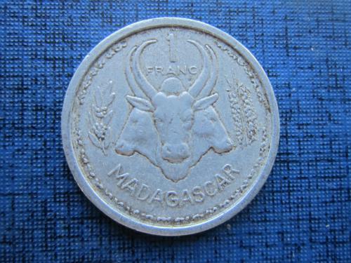 Монета 1 франк Мадагаскар Французский 1948 фауна корова бык