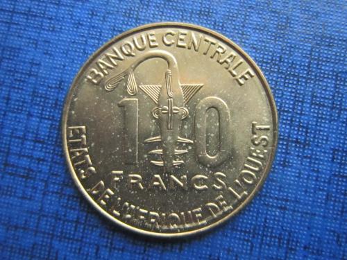 Монета 10 франков КФА 2012 Западная Африка фауна рыба колодец