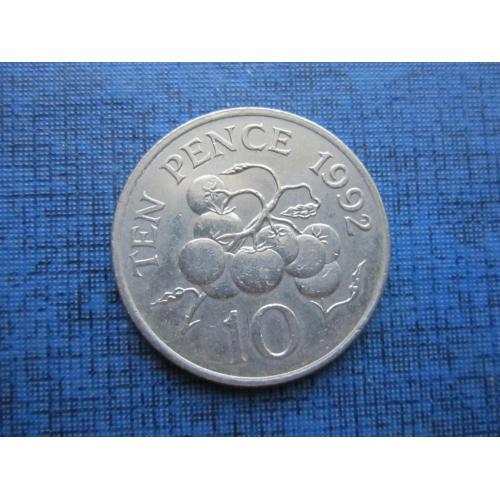 Монета 10 пенсов Гернси 1992 помидоры