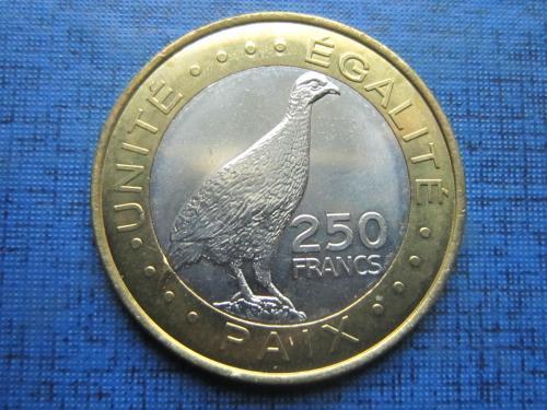 Монета 250 франков Джибути 2012 фауна птица состояние