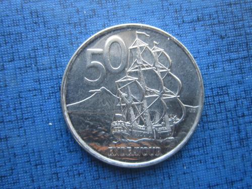 Монета 50 центов Новая Зеландия 2006 корабль парусник UNC