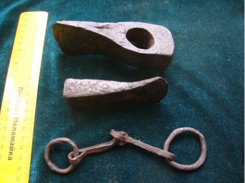 Скифские топоры + удила 3-4 век до н э