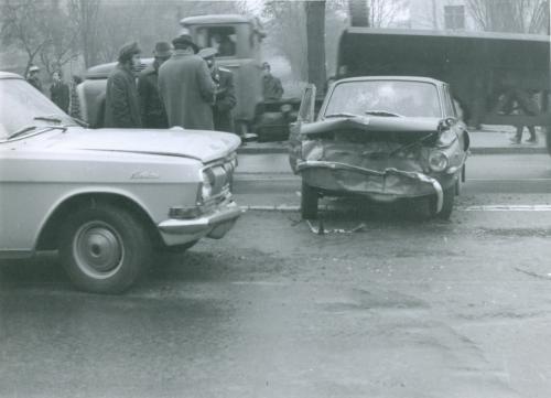 Киев Автомобиль Запорожец Волга ДТП Дорожно транспортное проишествие ГАИ 1970-е годы