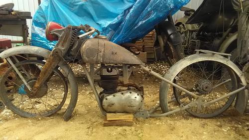 Мотоцикл Triumph db250