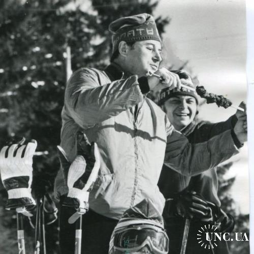 ТАСС. Для печати. Спорт. Лыжники.Зима и шашлык, что может быть лучше!