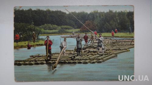 Волга во время разлива. Плот. Спуск древесины.