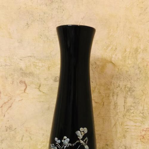 Высокая ваза.45 см  Ручная работа. Дерево  Инкрустация перламутром, лак. Вьетнам.