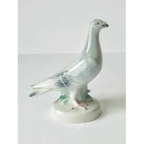 Фарфоровая статуэтка Фарфор Голубь Porzellanfabrik Carl Scheidig Германия